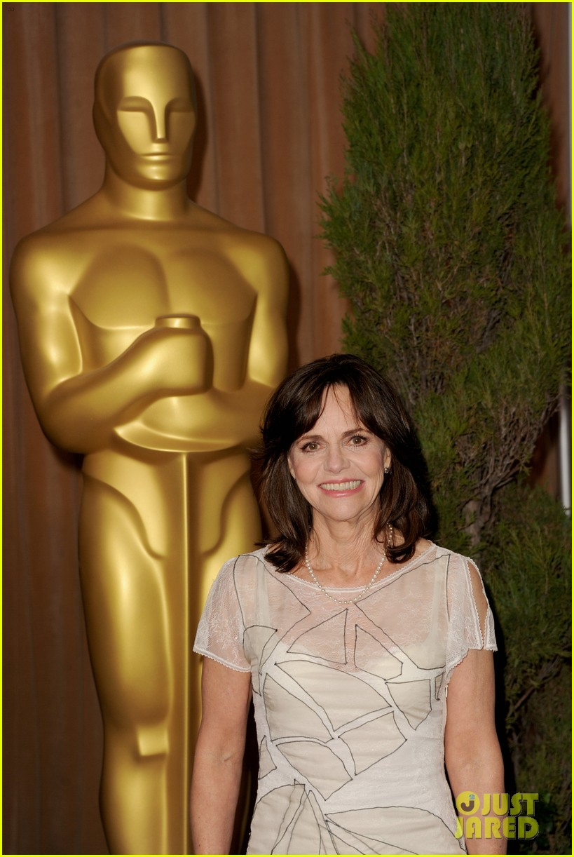 helen hunt sally field oscar nominees luncheon 2013 08