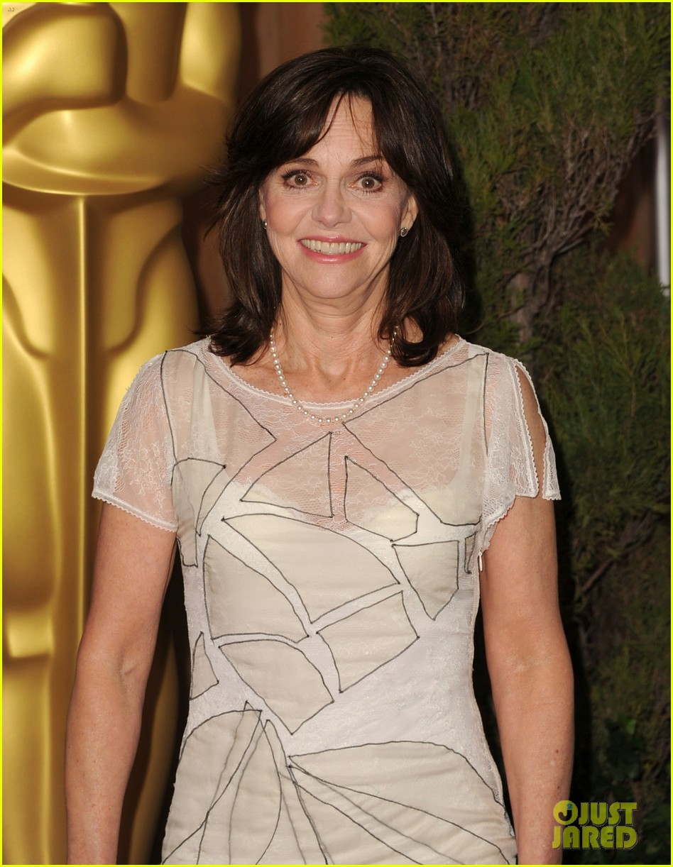 helen hunt sally field oscar nominees luncheon 2013 132804786