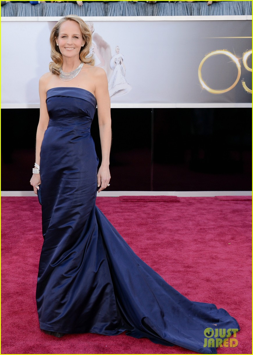helen hunt oscars 2013 red carpet 01