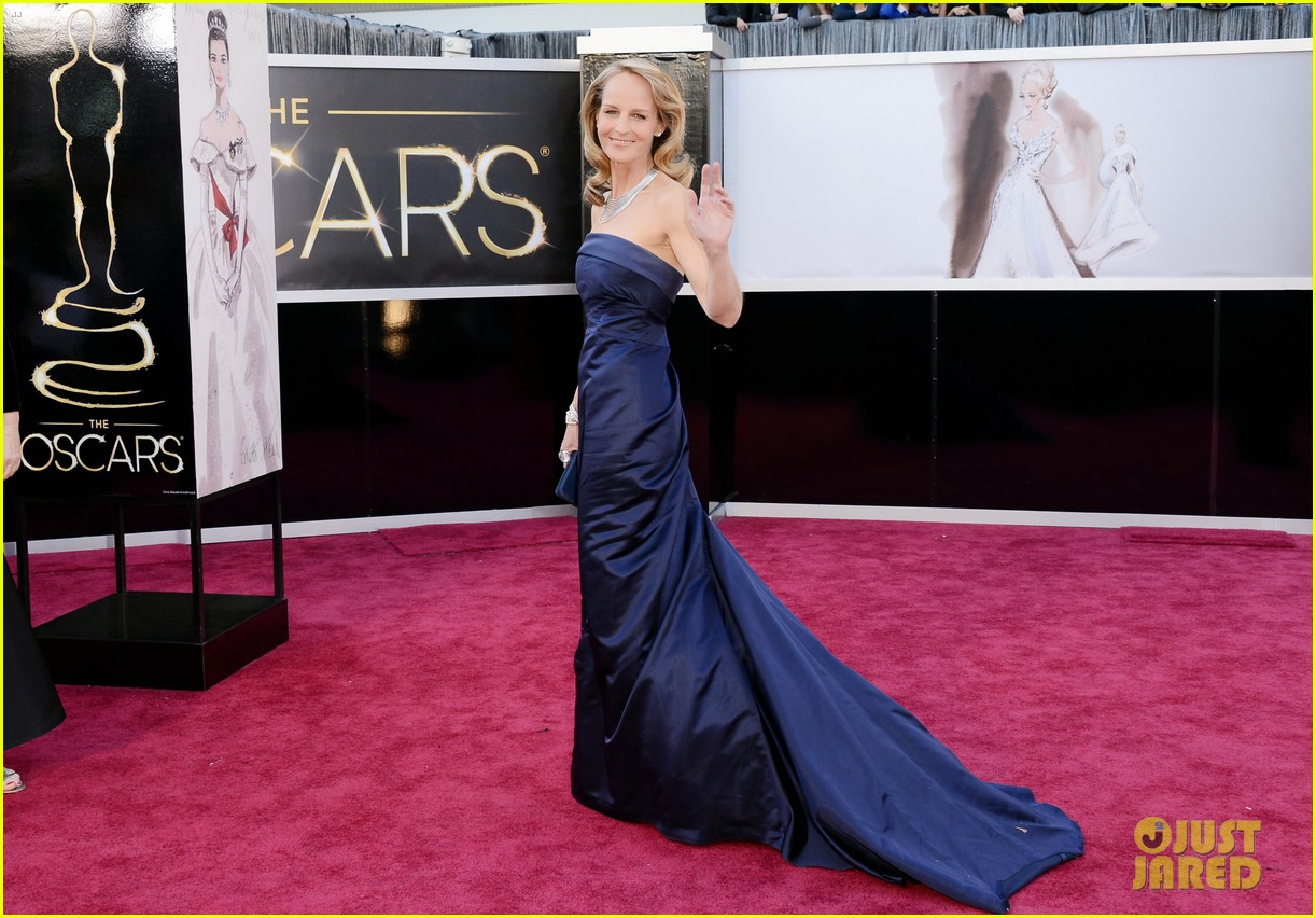 helen hunt oscars 2013 red carpet 05