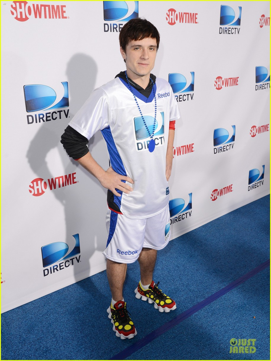 josh hutcherson celebrity beach bowl attendee 01