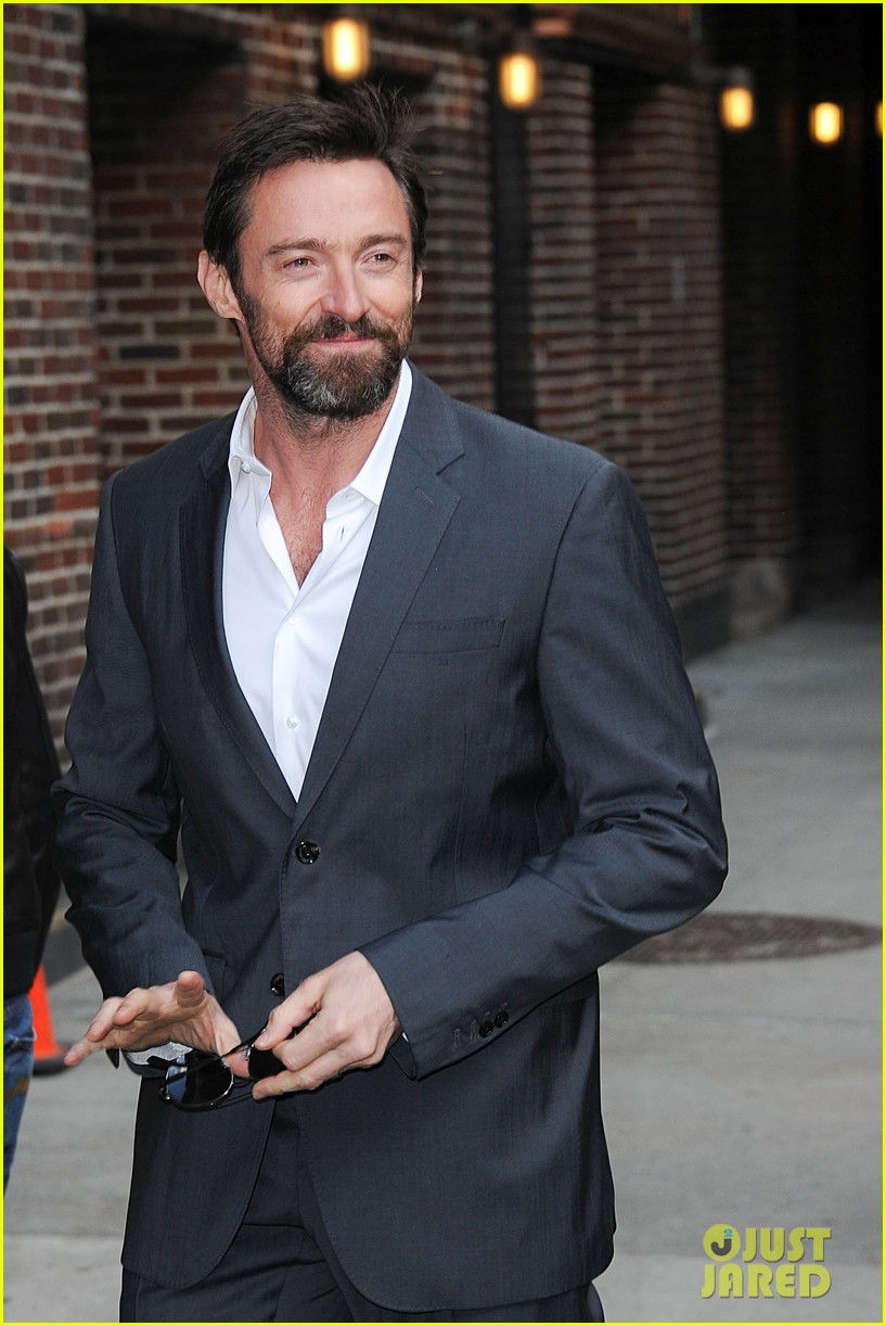 hugh jackman jokes about oscars 2013 competition 02