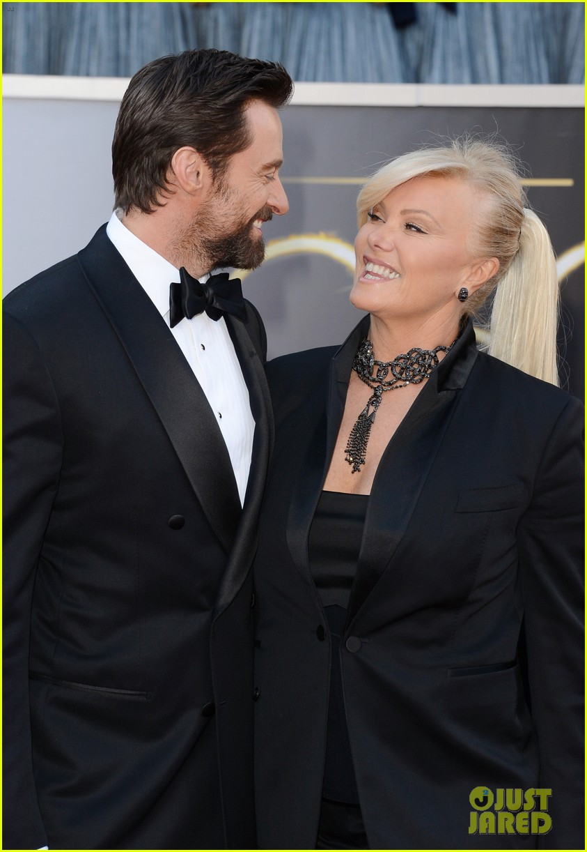 hugh jackman oscars 2013 red carpet with deborra lee furness 03