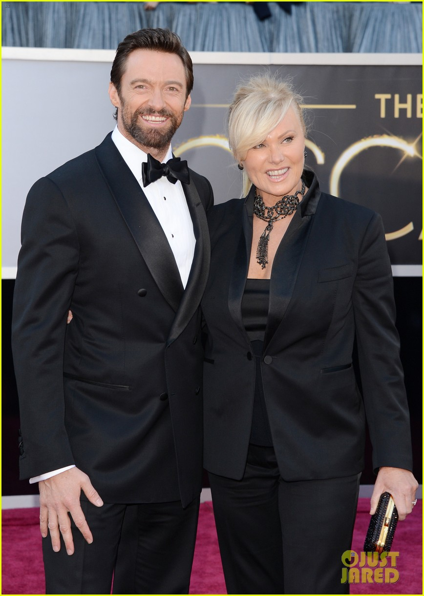 hugh jackman oscars 2013 red carpet with deborra lee furness 05