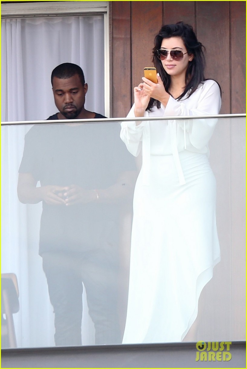 kim kardashian kanye west balcony fun with will smith 022810151