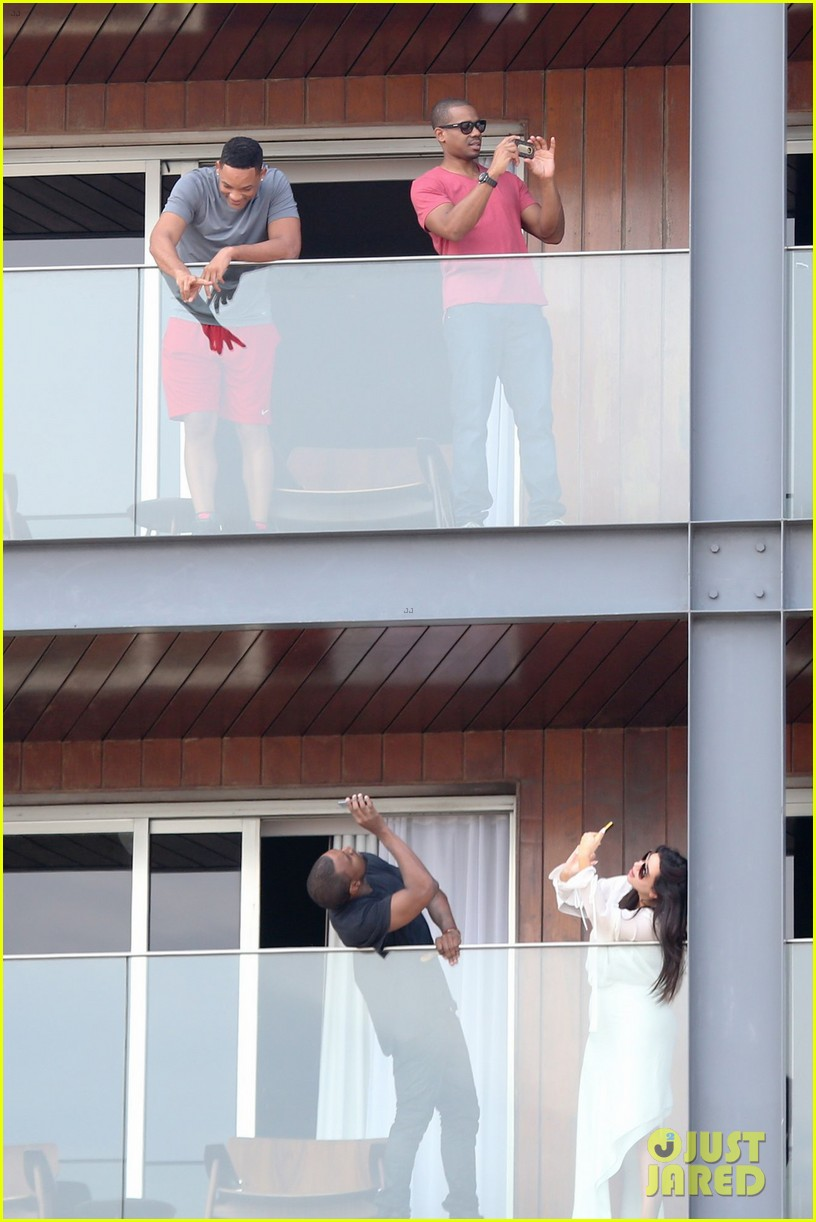 kim kardashian kanye west balcony fun with will smith 032810152