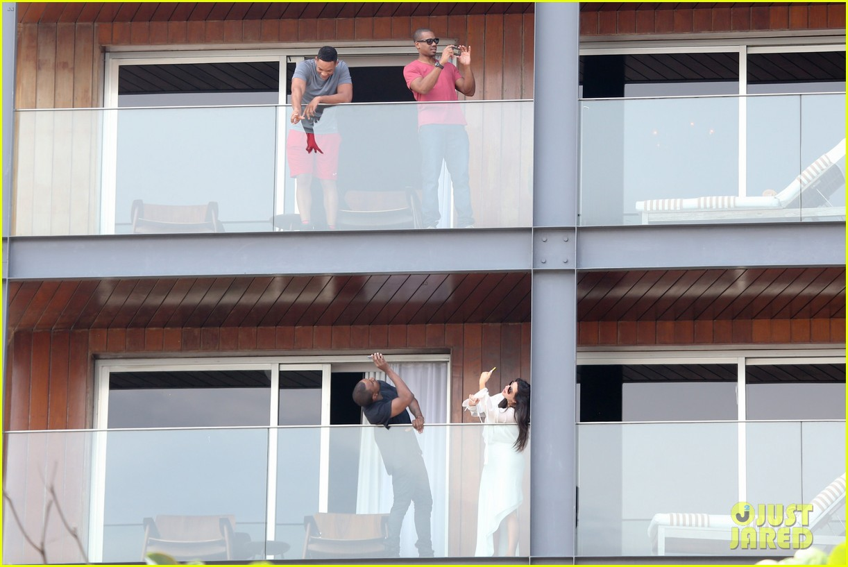 kim kardashian kanye west balcony fun with will smith 072810156
