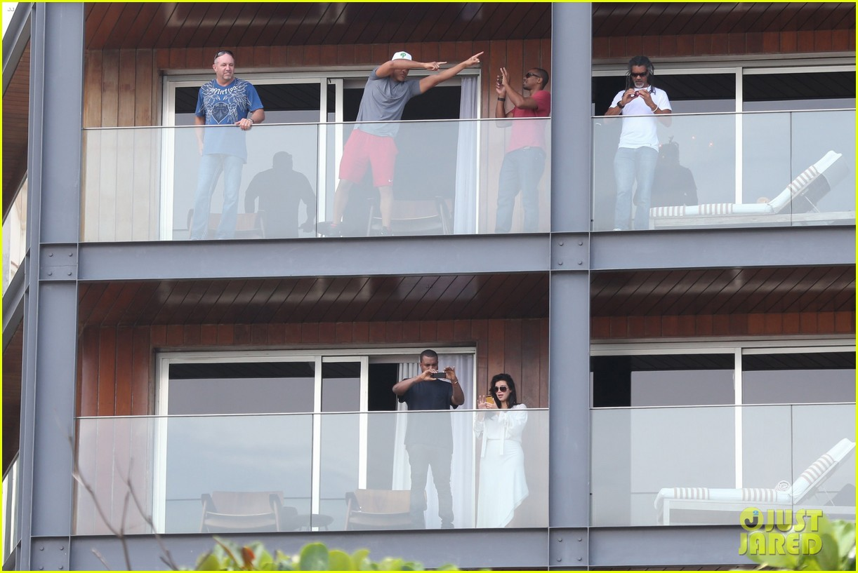 kim kardashian kanye west balcony fun with will smith 13