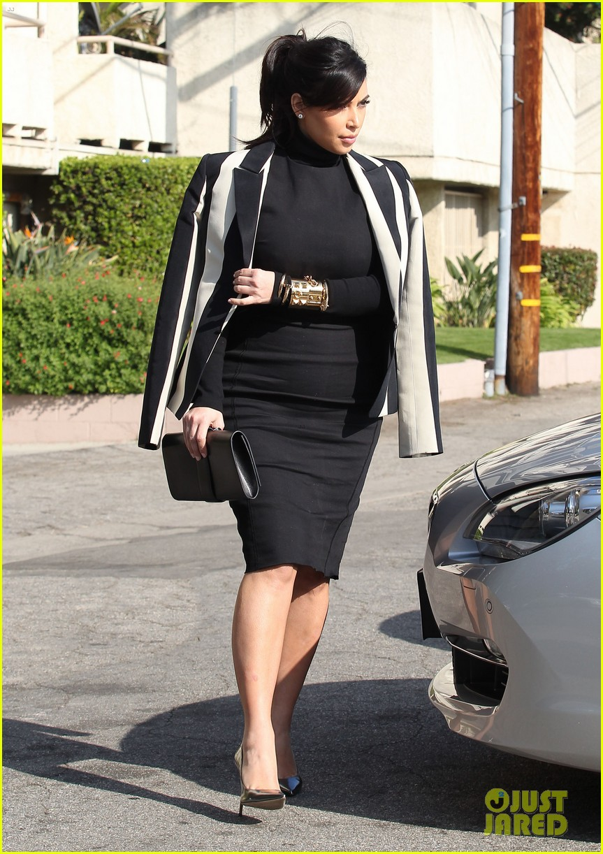 kim kardashian faces criticism for tweeting gun photo 11