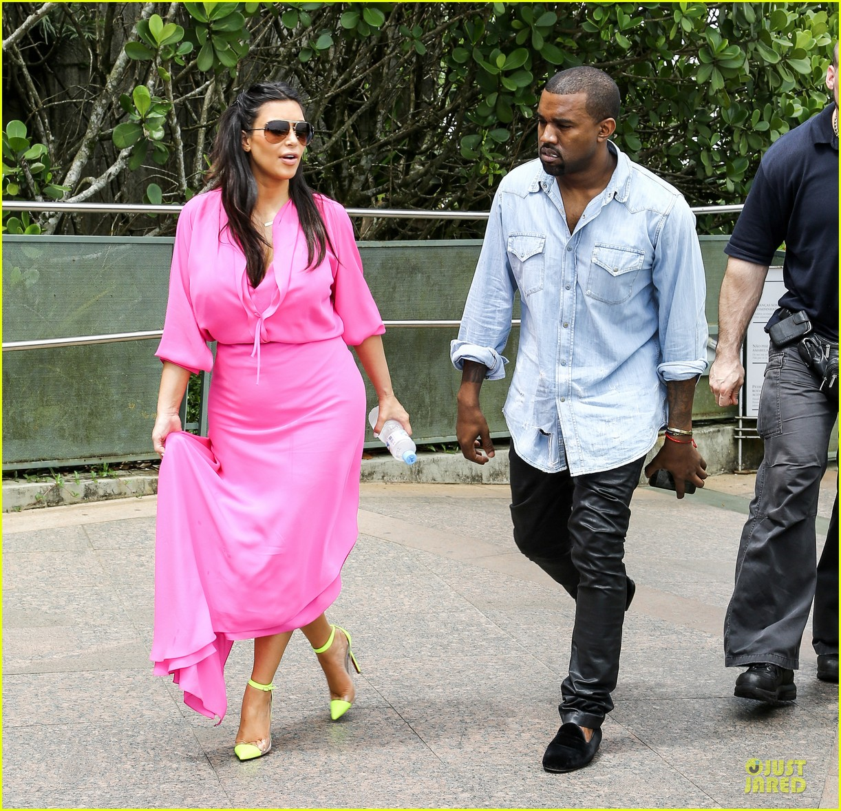 pregnant kim kardashian kanye west rio sightseeing couple 05
