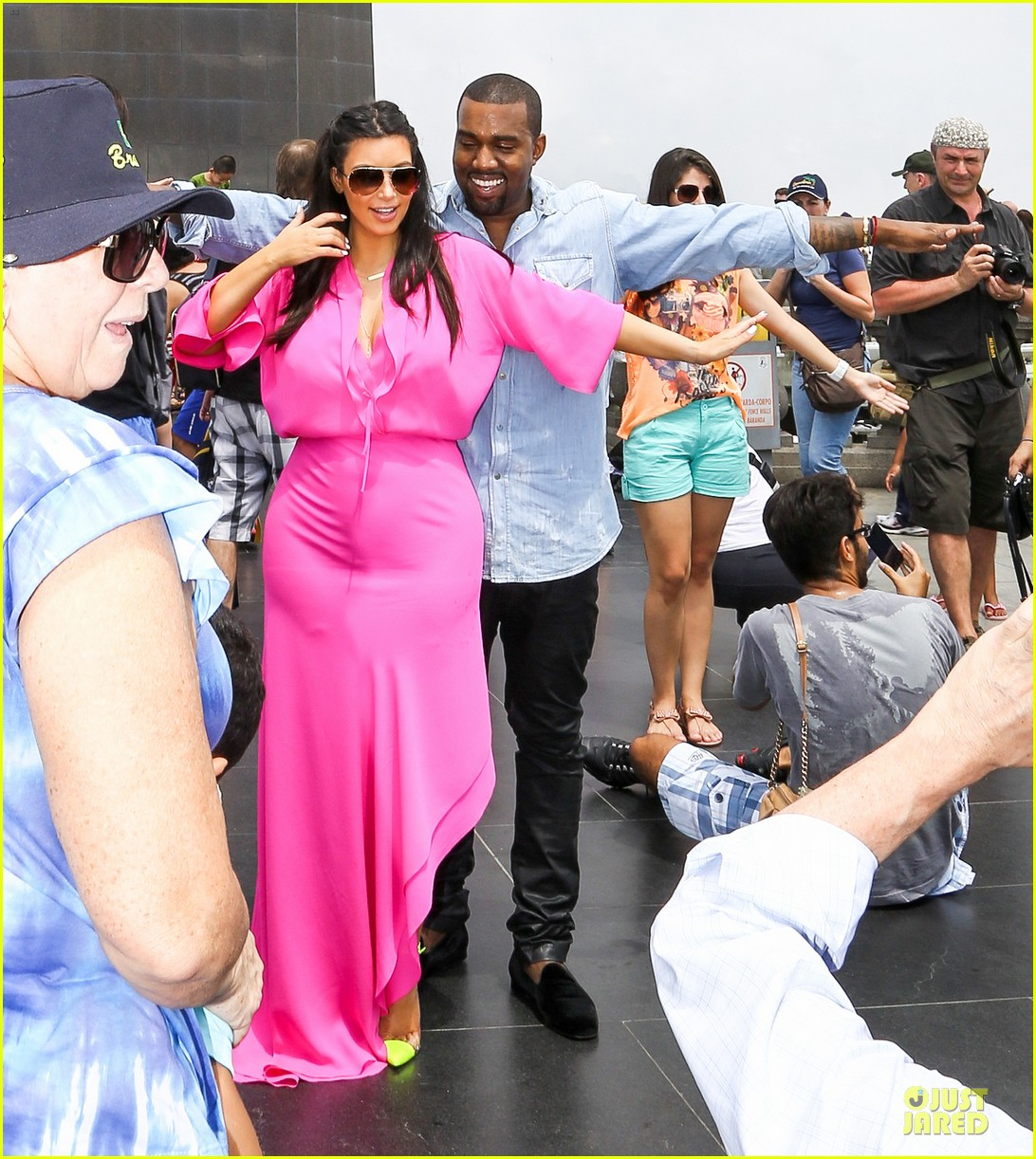 pregnant kim kardashian kanye west rio sightseeing couple 06