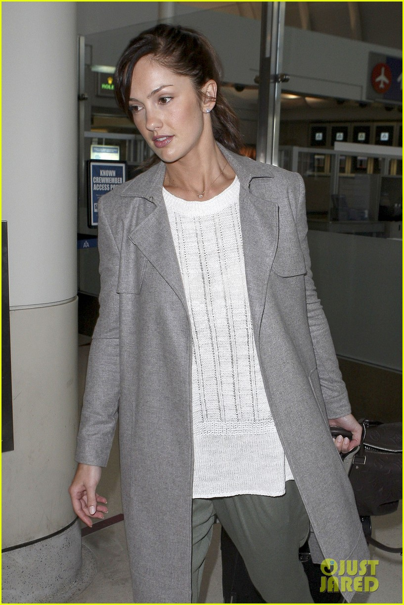 minka kelly excited to get home to my loved ones 02