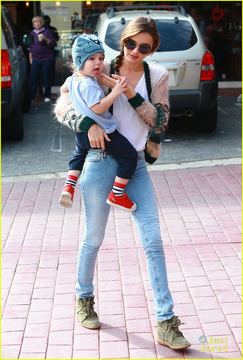 miranda kerr gymnastics class with flynn 12