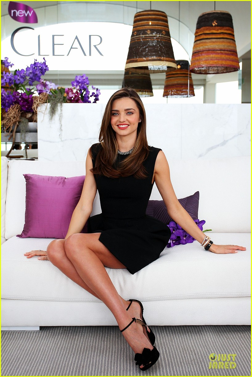 miranda kerr clear scalp hair beauty therapy ambassador media call 05
