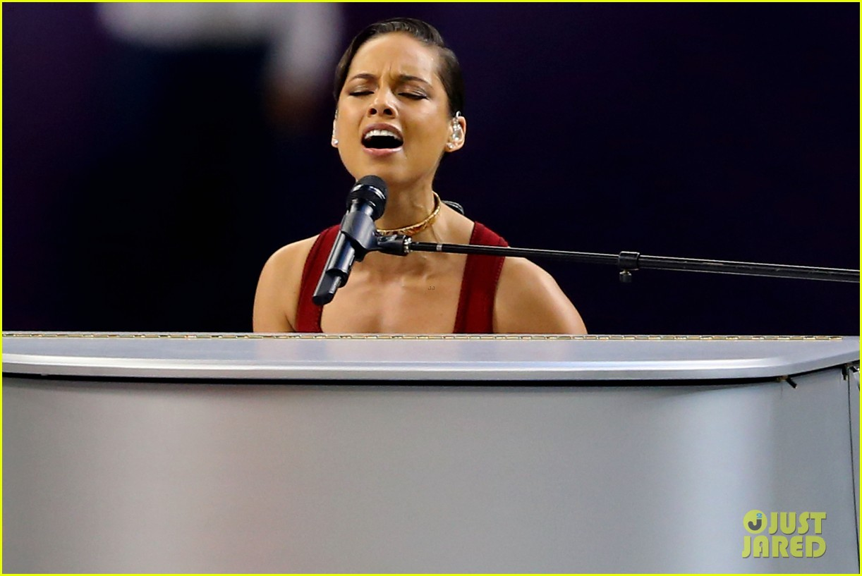 alicia keys super bowl 2013 national anthem video 022804210