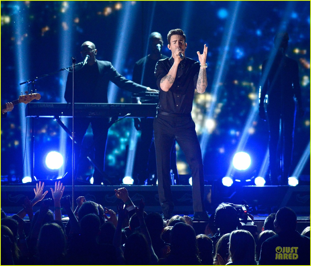 alicia keys maroon 5 grammys 2013 performance watch now 032809546