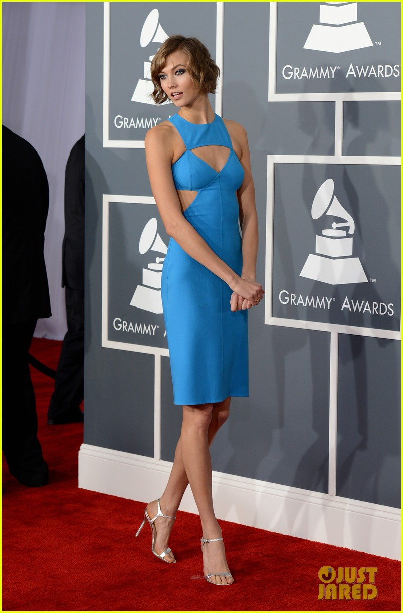 karlie kloss grammys 2013 red carpet 02