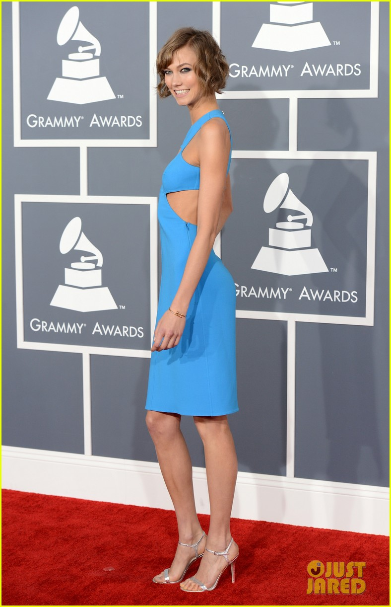 karlie kloss grammys 2013 red carpet 052809096