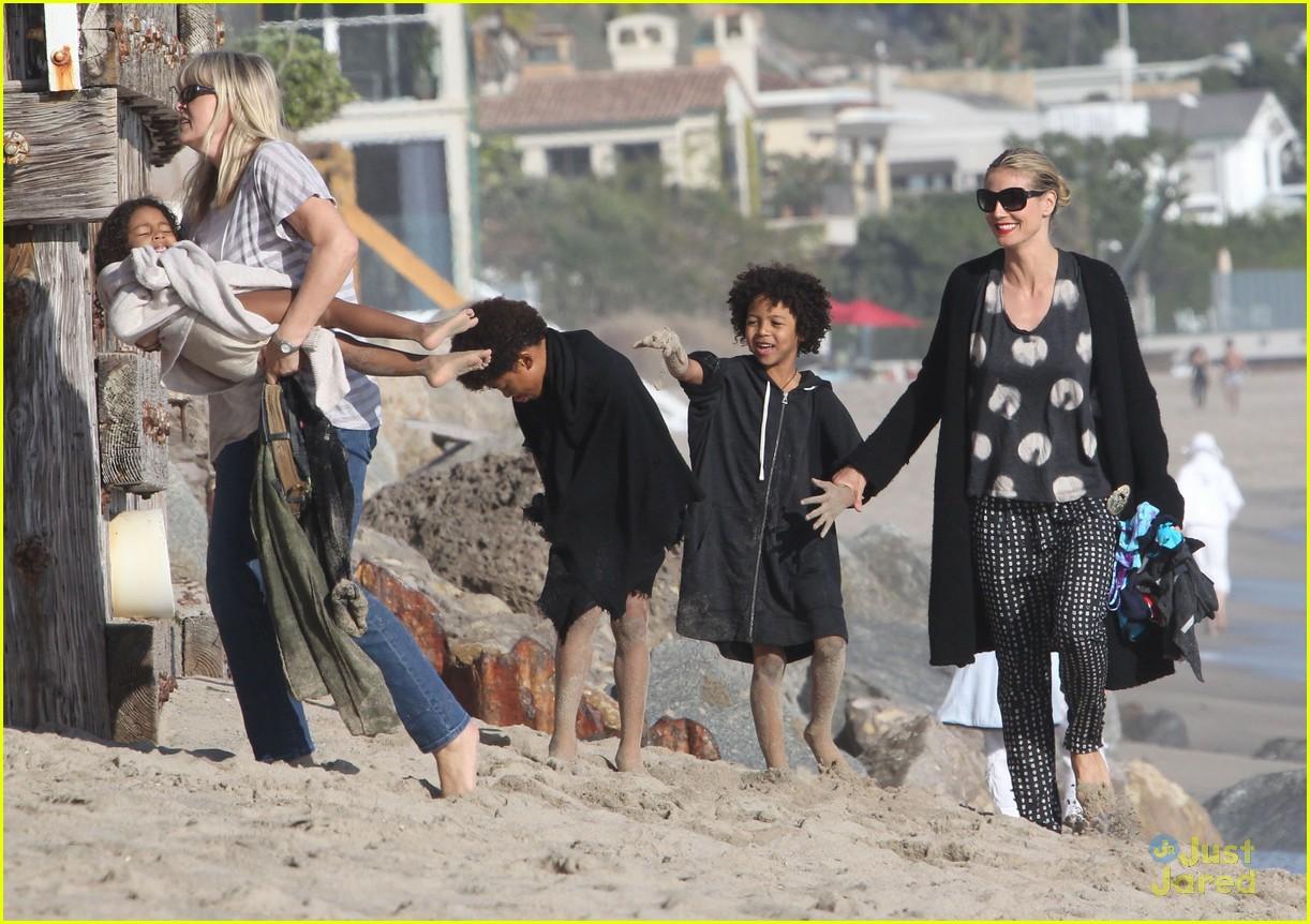 heidi klum martin kirsten beach day with the kids 33