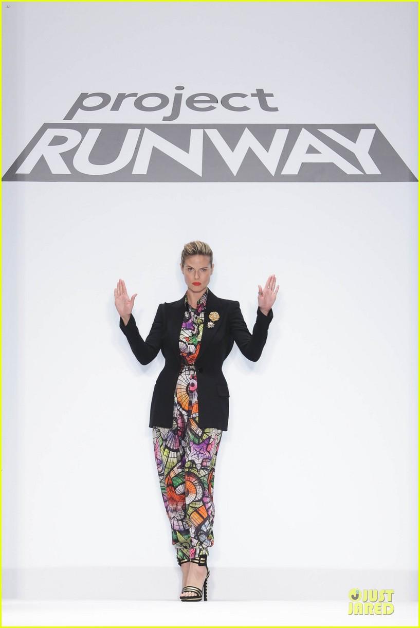 heidi klum kristin chenoweth project runway fashion show 01