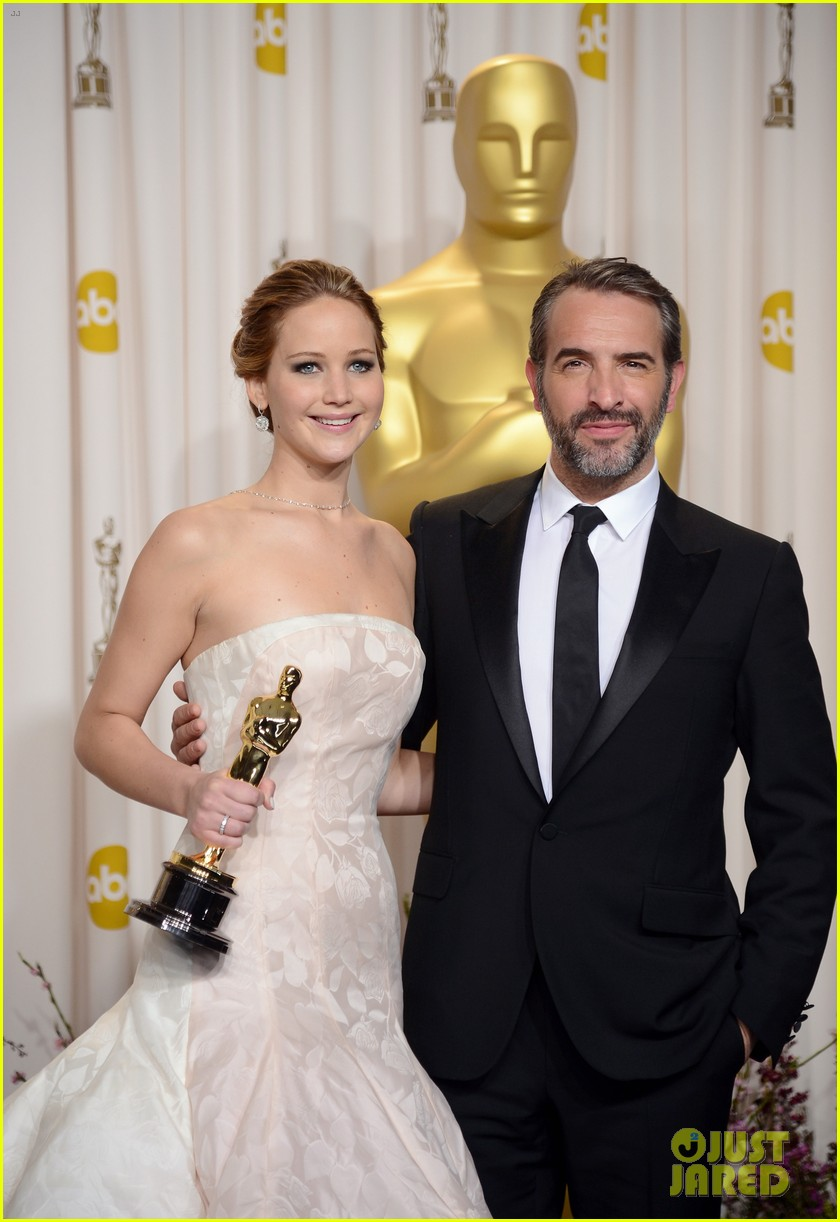 jennifer lawrence oscars press room video 2013 02