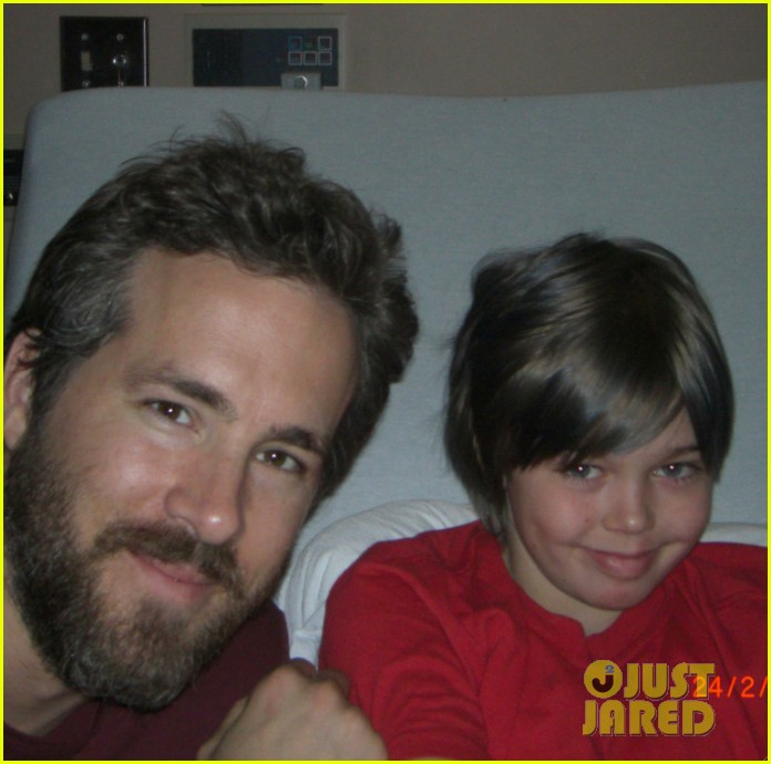 blake lively ryan reynolds visit sick children in hospital 09