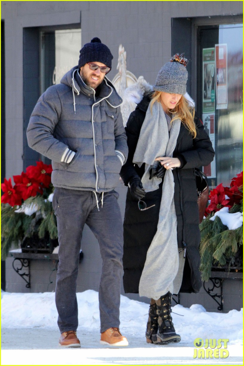 blake lively ryan reynolds snowy weekend in canada 02