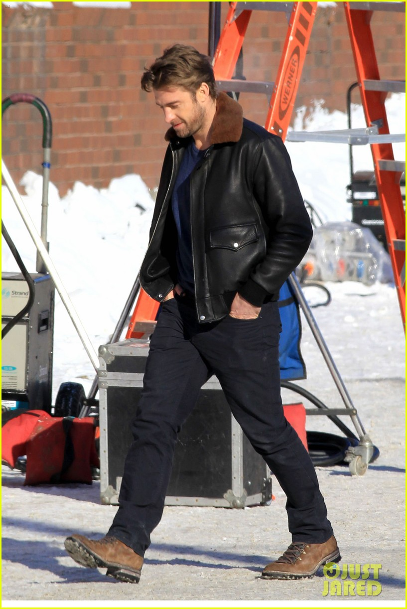 blake lively ryan reynolds snowy weekend in canada 13