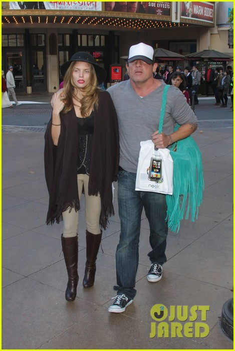 annalynne mccord dominic purcell the grove couple 01