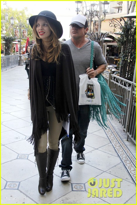 annalynne mccord dominic purcell the grove couple 08