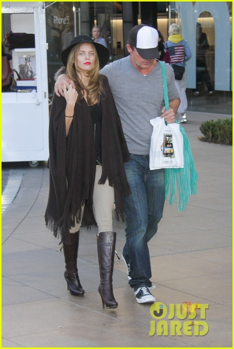 annalynne mccord dominic purcell the grove couple 12