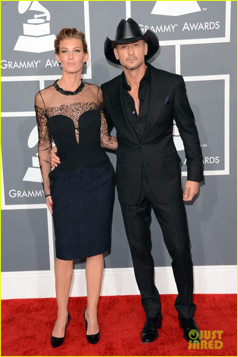 tim mcgraw faith hill grammys 2013 red carpet 03