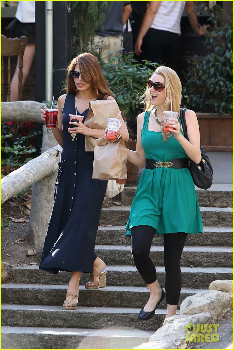 eva mendes the trails at griffith park lunch 03