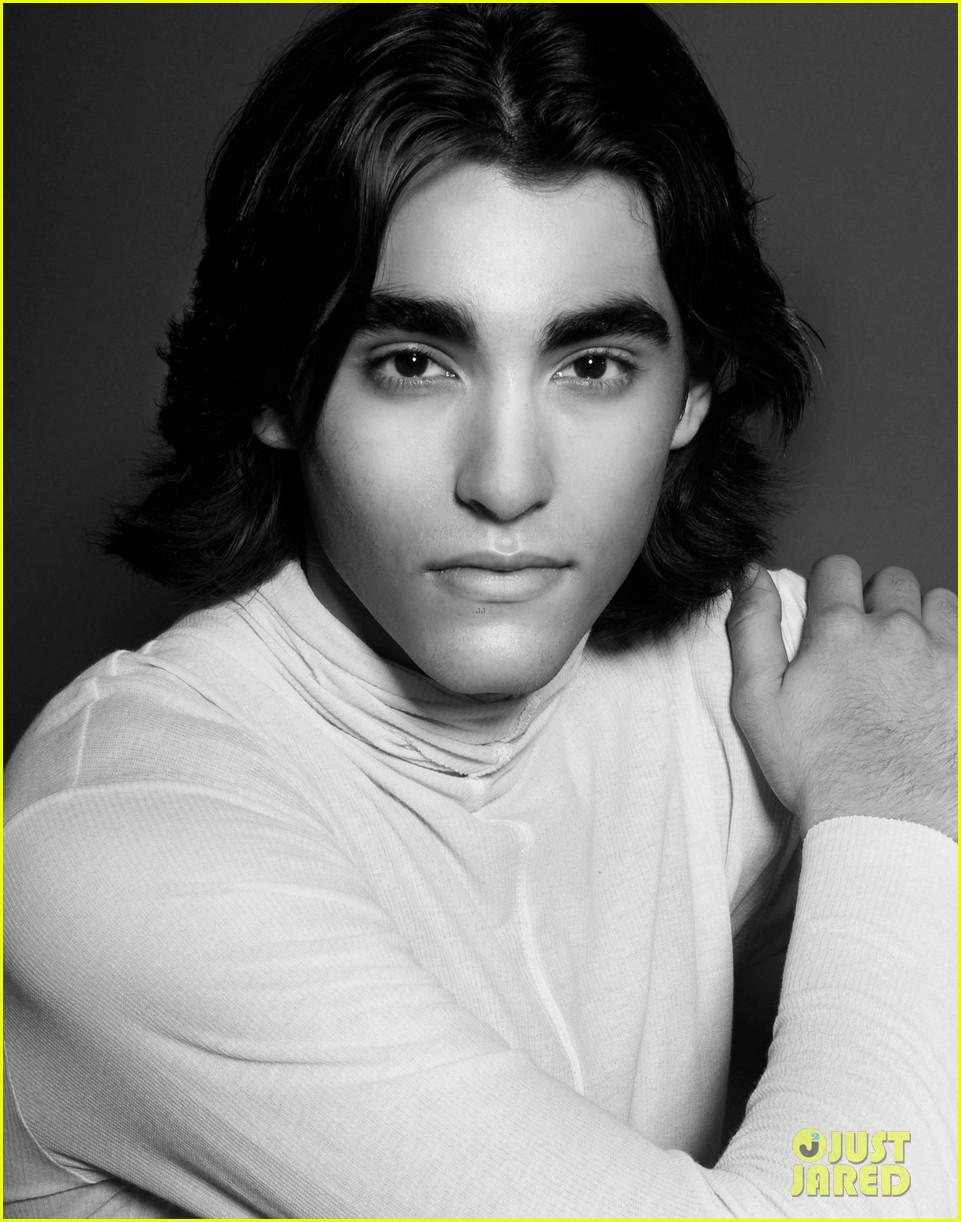 blake michael photo shoot justjared exclusive 02