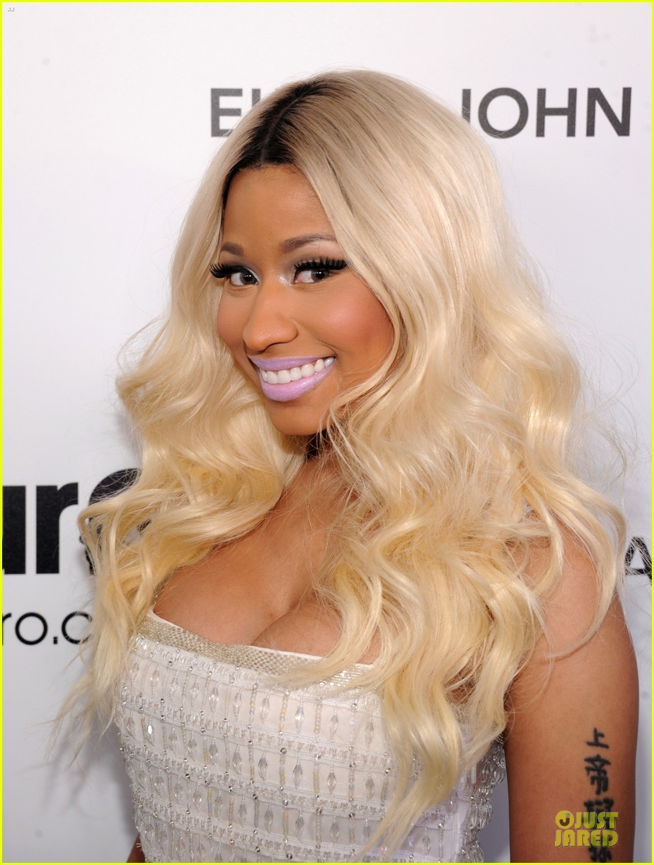 nicki minaj elton john oscars party 02