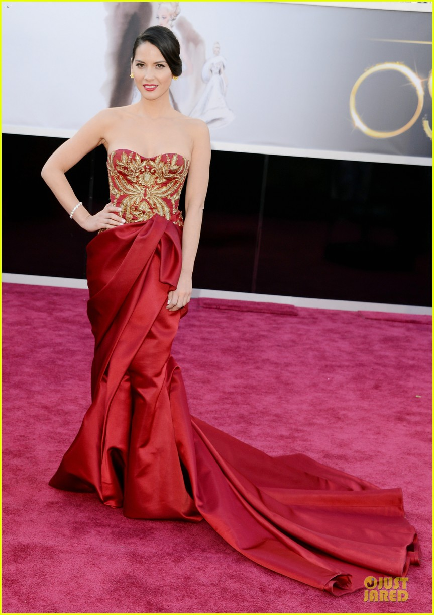 olivia munn oscars 2013 red carpet 04