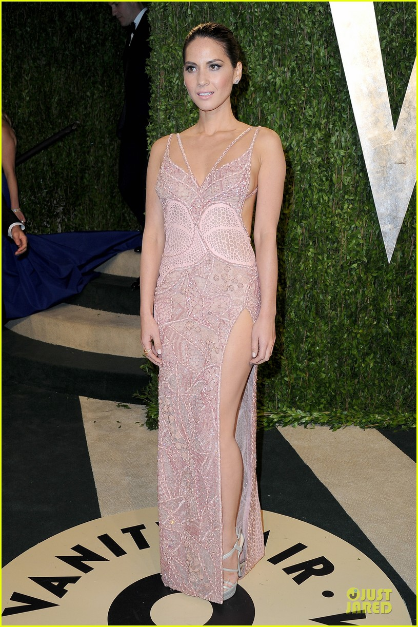 olivia munn vanity fair oscars party 2013 01