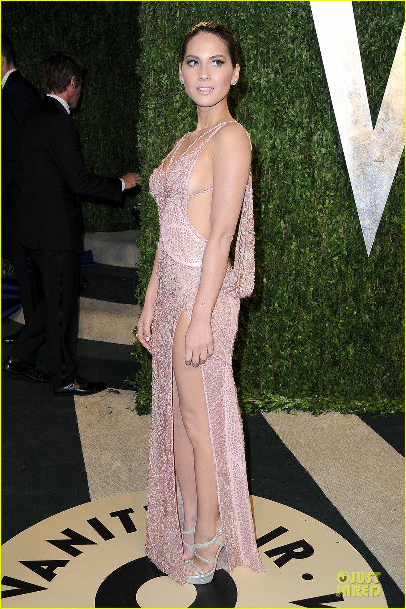 olivia munn vanity fair oscars party 2013 03
