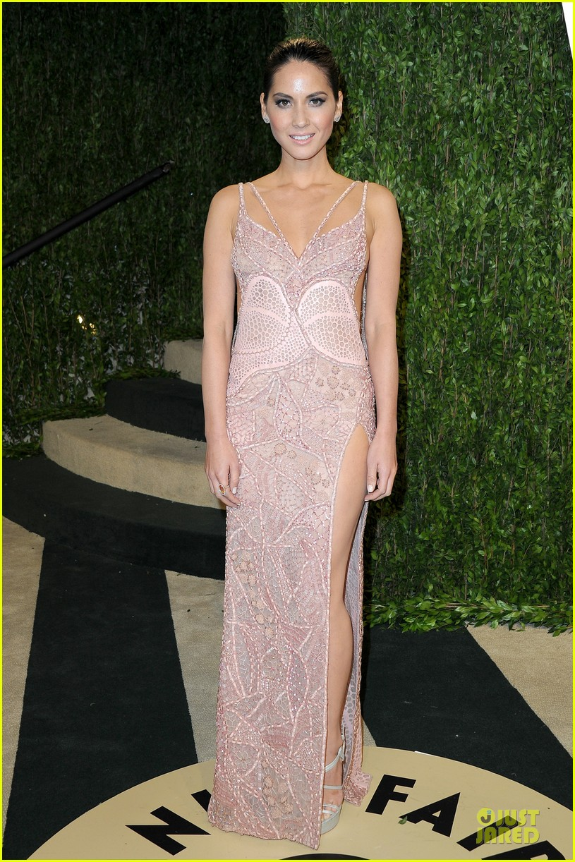 olivia munn vanity fair oscars party 2013 04