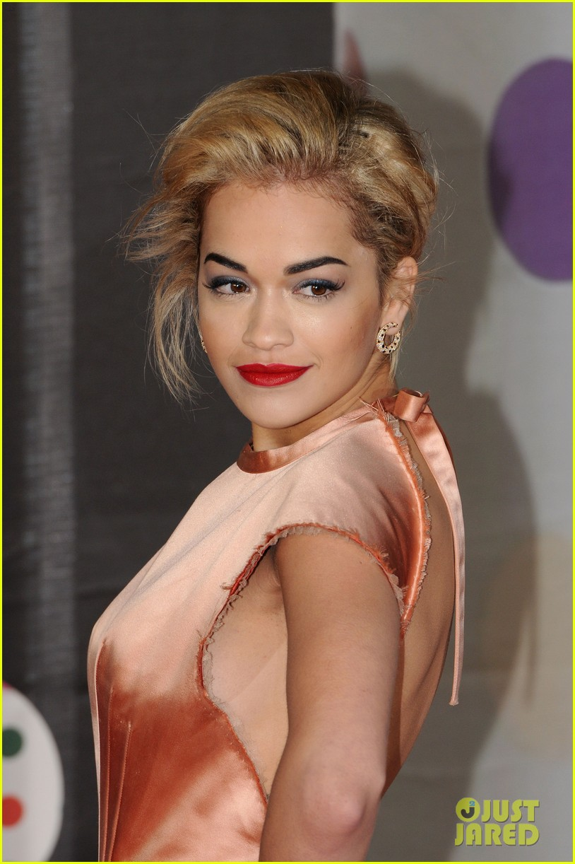 rita ora brit awards 2013 red carpet 02