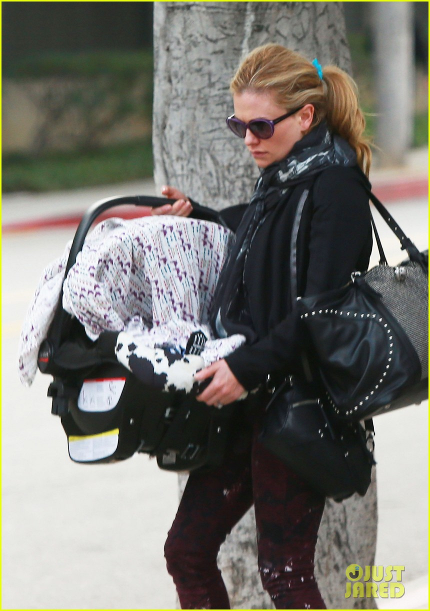 anna paquin stephen moyer baby check up 04