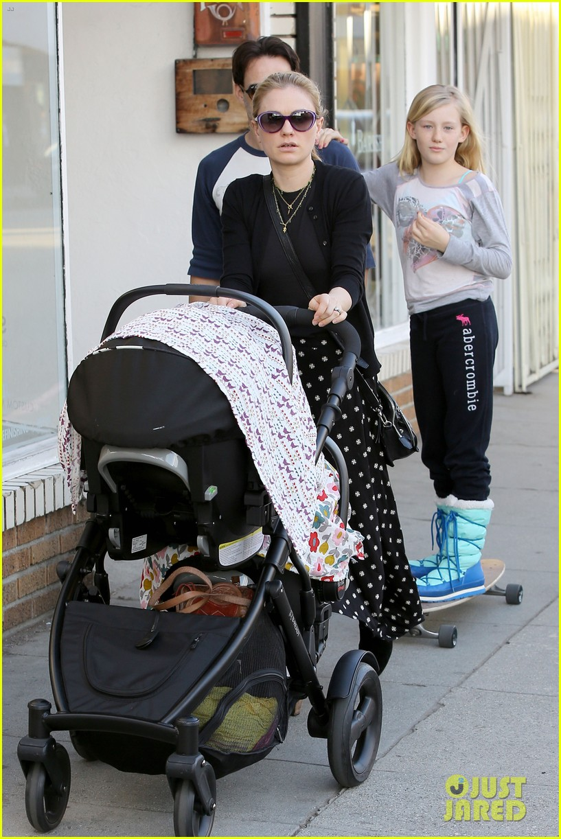 anna paquin shopping with one of her twins 122806000