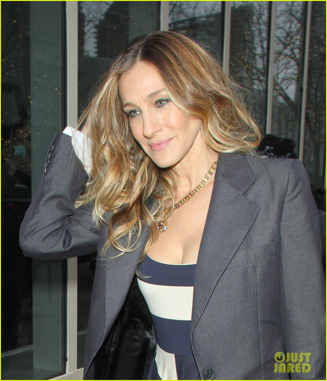 sarah jessica parker bundled up in the big apple 27
