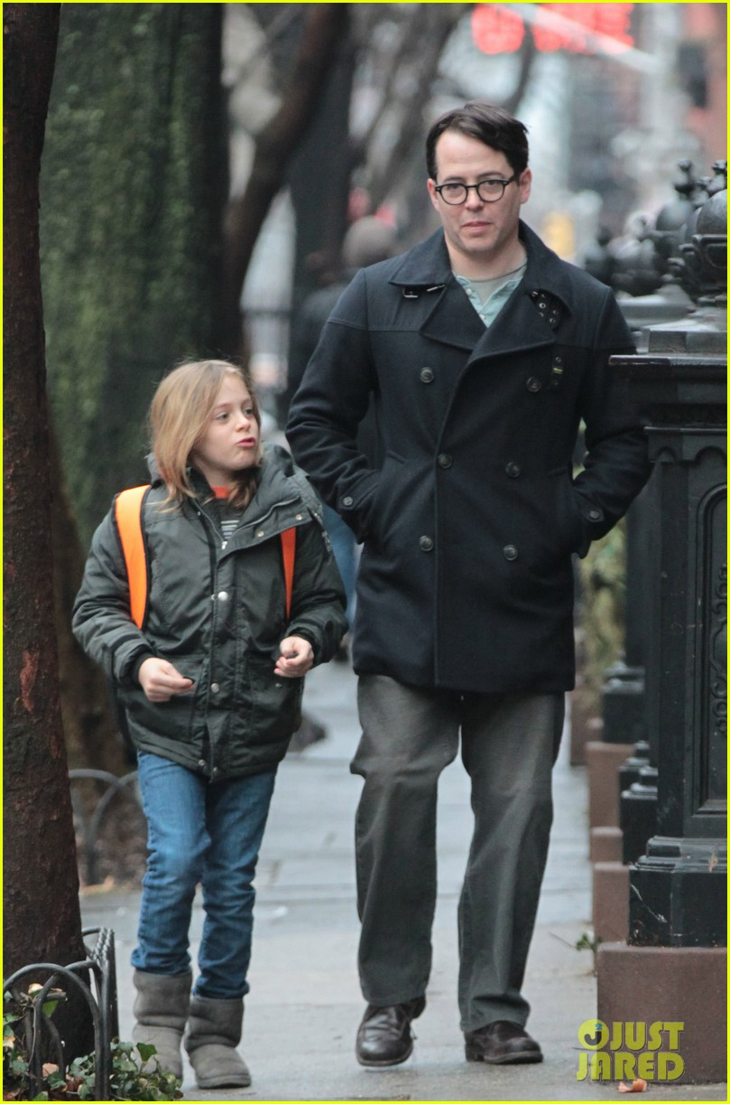 sarah jessica parker morning walk with the twins 242802227
