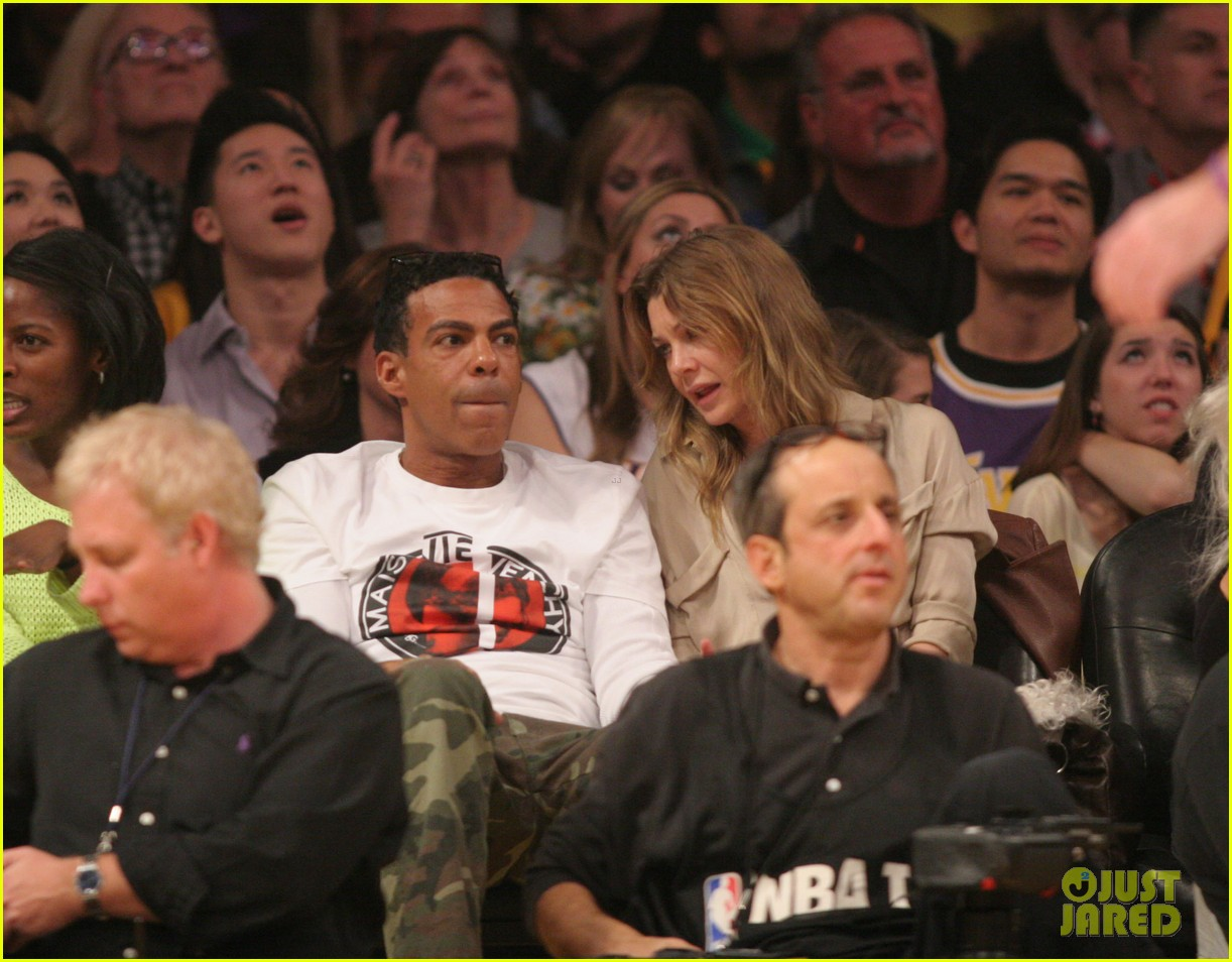 ellen pompeo valentines basketball with hubby chris ivery 04