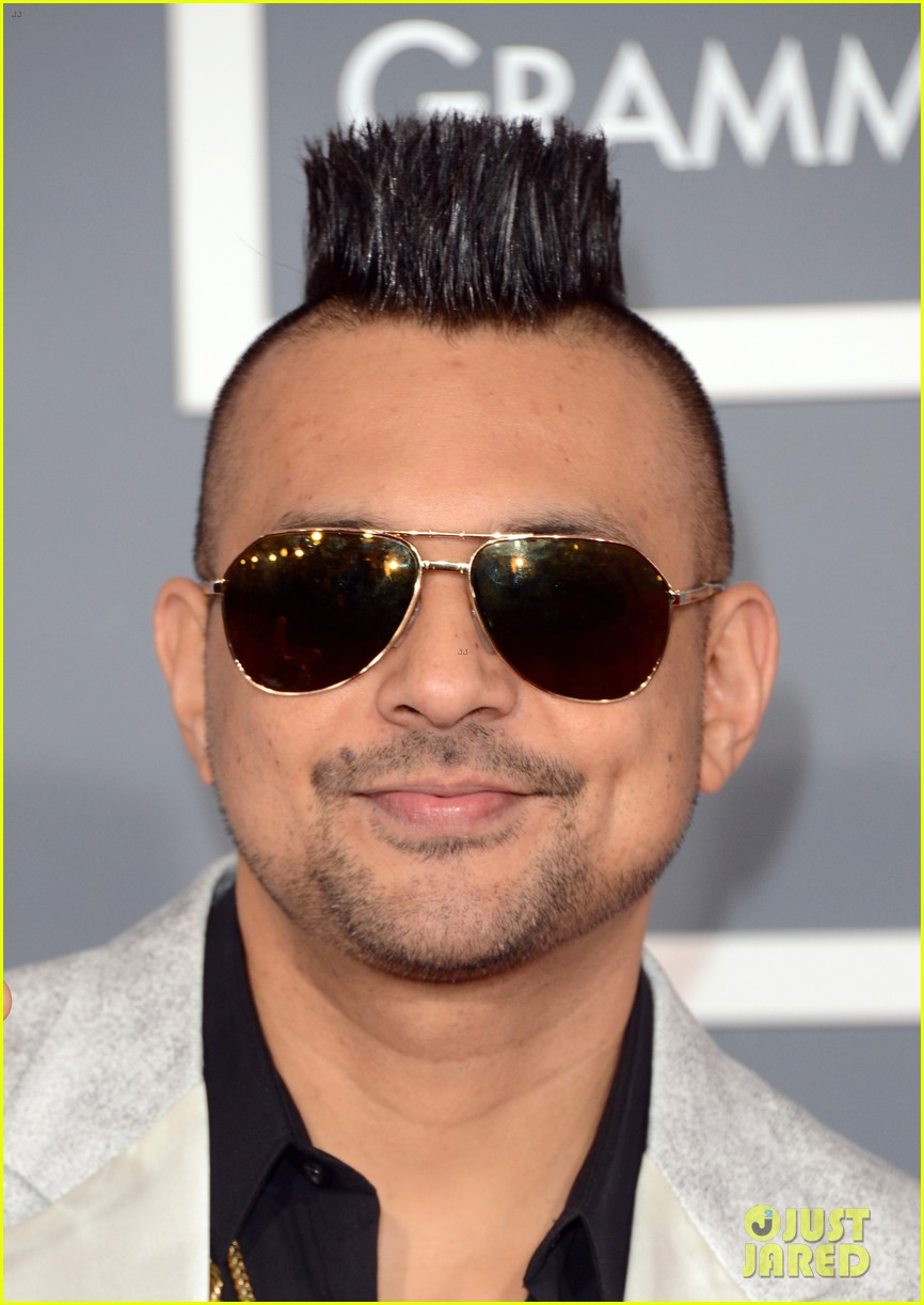 redfoo sean paul grammys 2013 red carpet 12