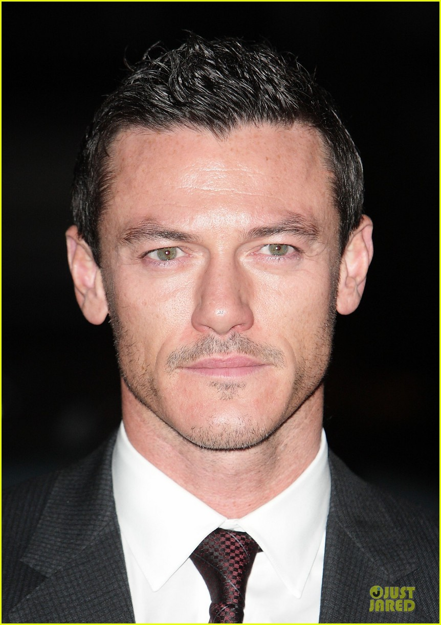 eddie redmayne luke evans british film awards 2013 11