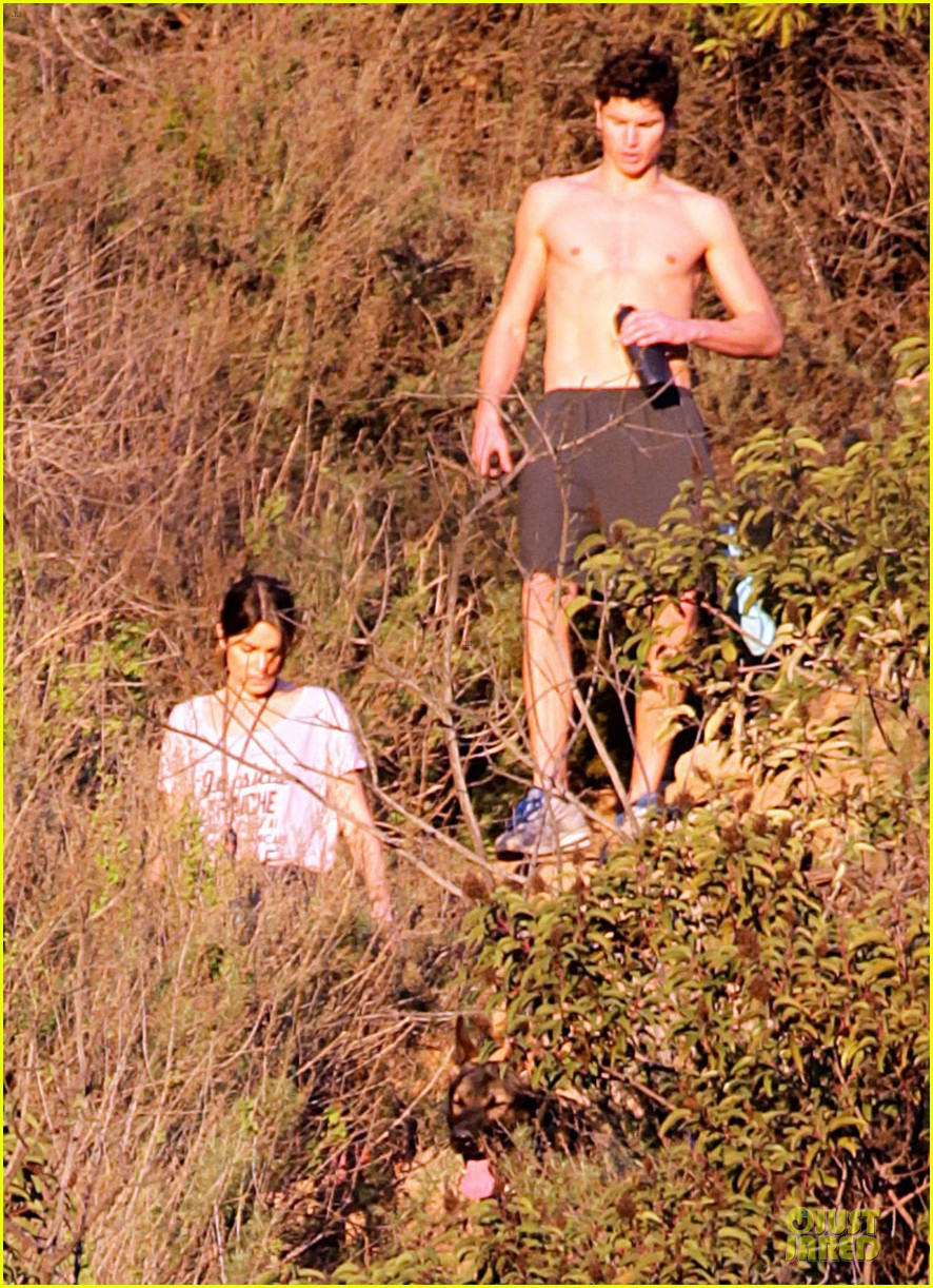 nikki reed super bowl hiking with shirtless brother nathan 04