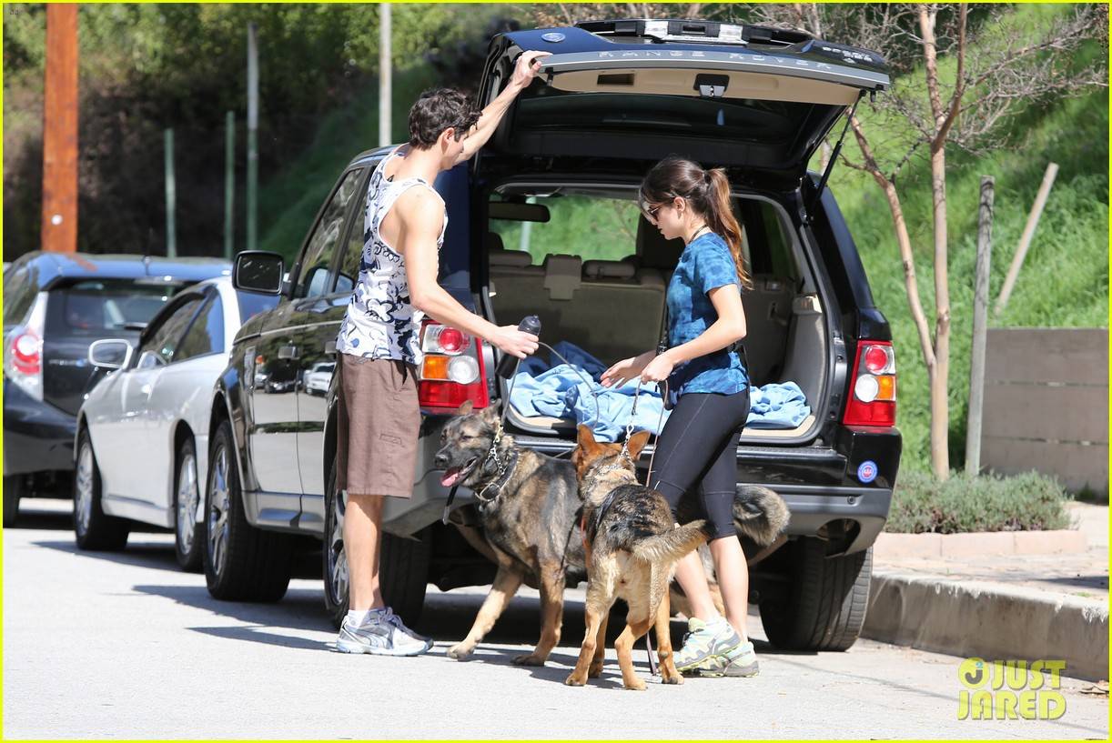 nikki reed dog run with brother nathan 05