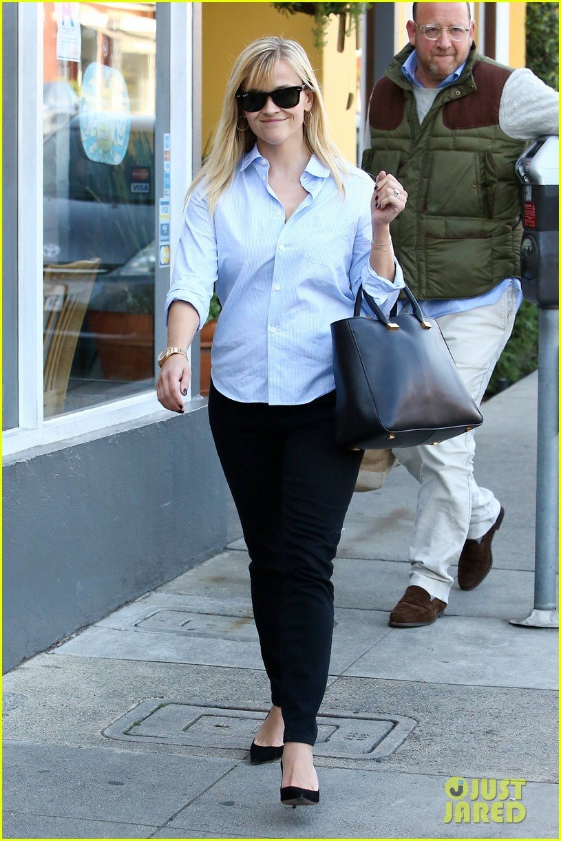 reese witherspoon post lunch shopping trip 06